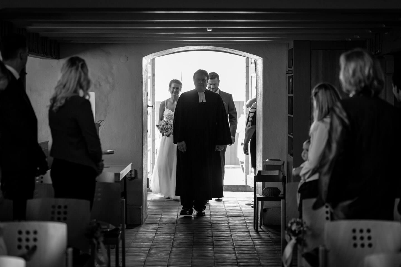Einzug des Brautpaares in die Kirche