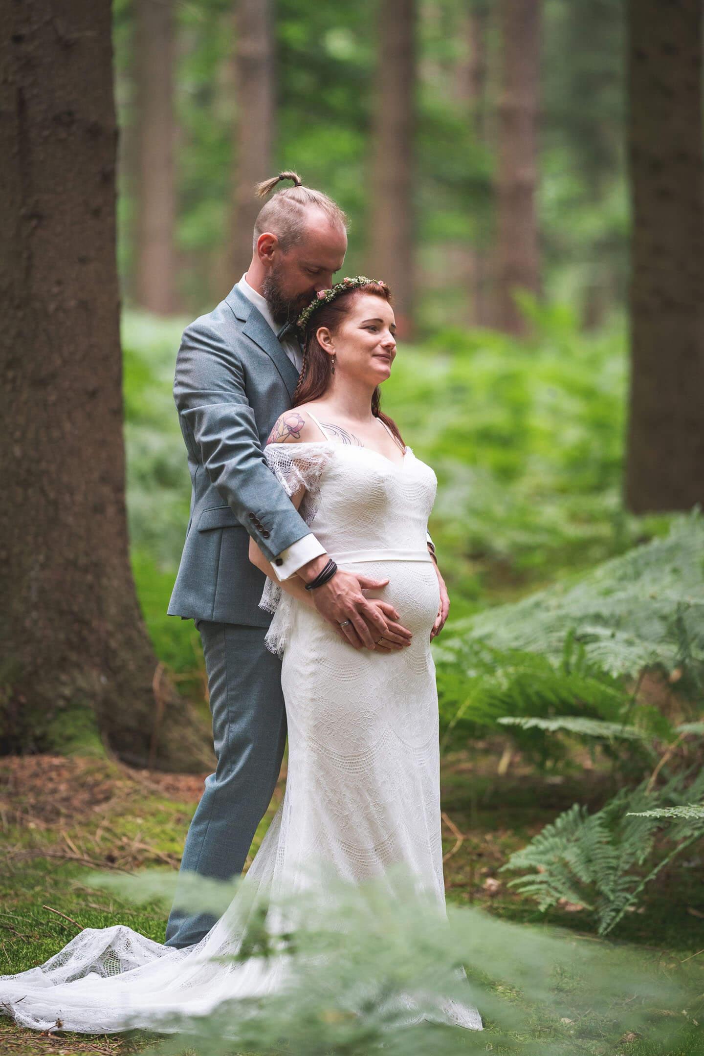 Florian Läufer aus Hamburg fotografierte die Boho-Hochzeit mit anschließendem Paarshooting