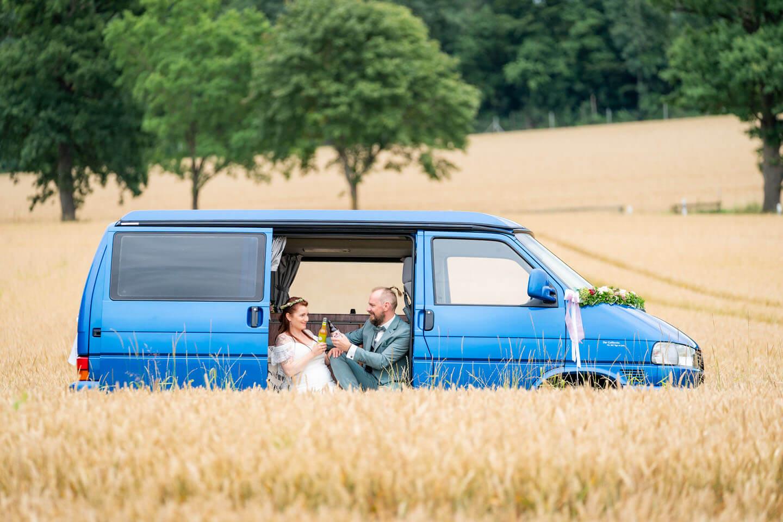 Boho-Hochzeit mit VW-Bus