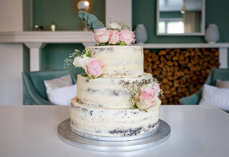 Hochzeitstorte in Pastellfarben