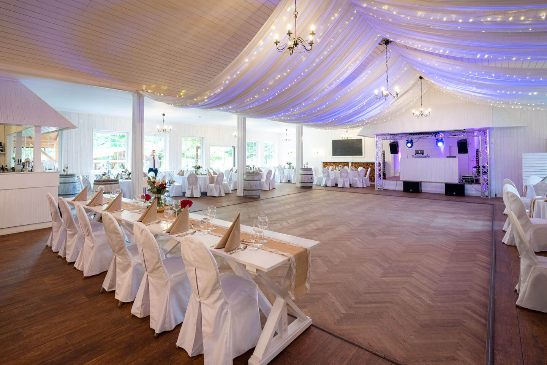 Hochzeitssaal fotografiert von Florian Läufer