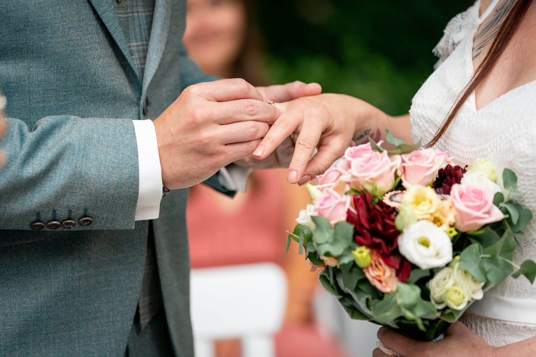 Ring aufstecken Hochzeit